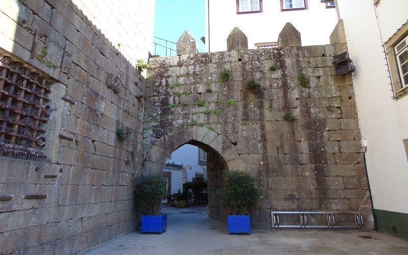 Arco da Porta Nova, o acesso à Judiaria de Ponte de Lima