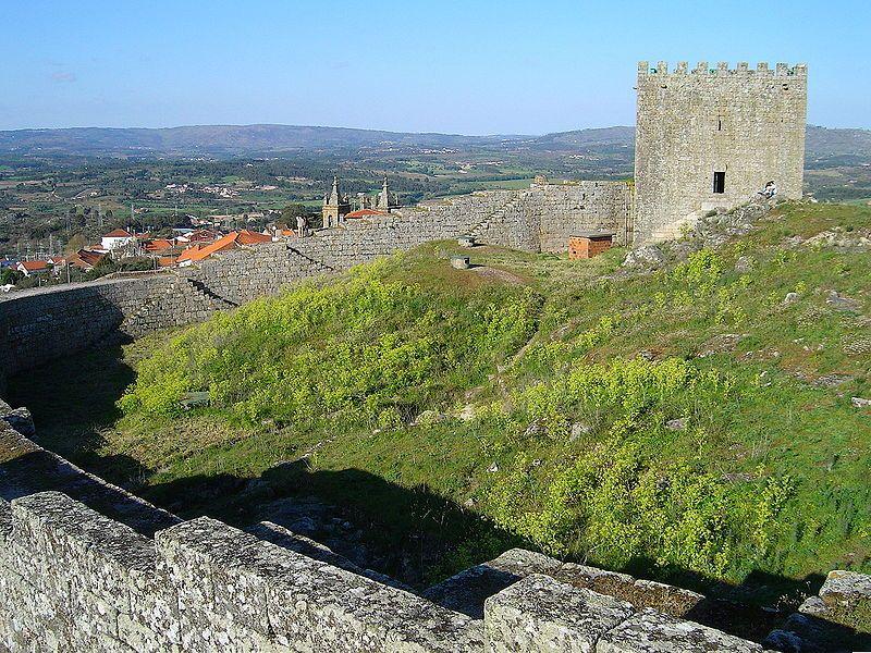 Castelo de Celorico da Beira © Vitor Oliveira, via Wikimedia Commons