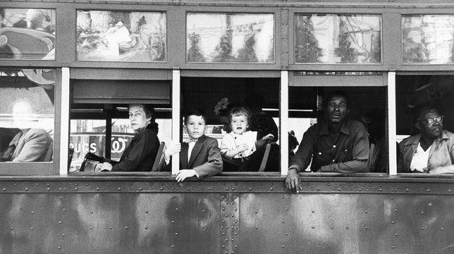 """Elétrico em Nova Orleães, 1955, do livro """"Os Americanos"""". Foto: Robert Frank/Fotostiftung Schweiz, Winterthur"""