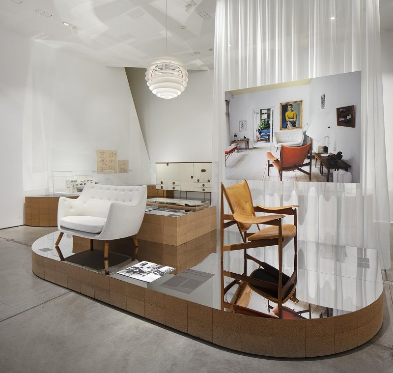 Installation view » Home Stories: 100 Years, 20 Visionary Interiors « © Vitra Design Museum, Photo: Ludger Paffrath