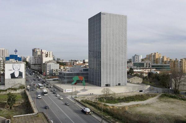 Torre Burgo, Porto_Luís Ferreira Alves