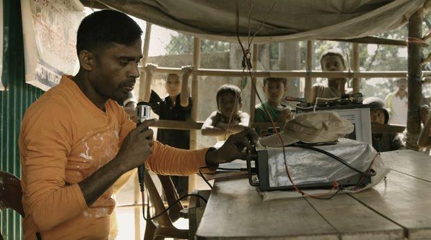 """""""Lost And Found"""": Kamal Hussein tenta ajudar crianças rohingya a reencontrarem-se com as suas famílias num campo de refugiados no Bangladesh DR"""