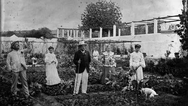 Uma horta de Lisboa; Alberto Carlos Lima; (191-?); Reprodução de fotografia; Arquivo Municipal de Lisboa; LIM001184