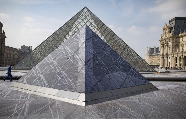 Museu do Louvre ainda não sabe quando poderá reabrir_Lusa/Ian Langsdon